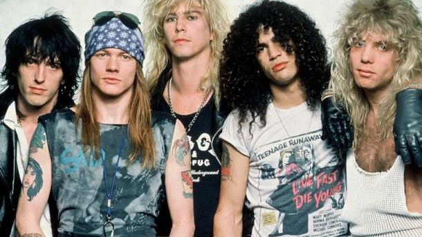 De gauche à droite : Stradlin, Axl Rose, McKagan, Slash et Adler / DR